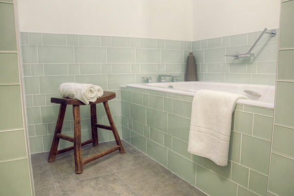 Glass Tile for Bathrooms & Kitchens