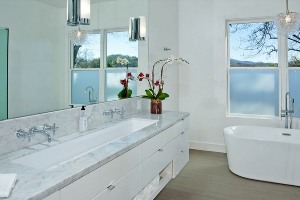Turn on the Tap! Ten Hot Bath Trends