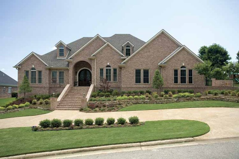 Dream House Plan - Traditional Exterior - Front Elevation Plan #17-2775