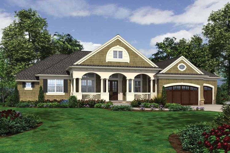 Traditional Exterior - Front Elevation Plan #132-545 - Houseplans.com