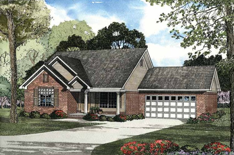 Traditional Exterior - Front Elevation Plan #17-2888 - Houseplans.com