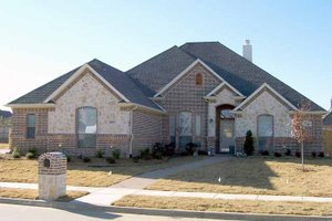 Dream House Plan - Traditional Exterior - Front Elevation Plan #84-693