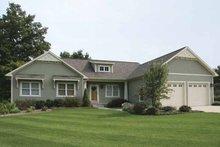 Craftsman Exterior - Front Elevation Plan #928-122