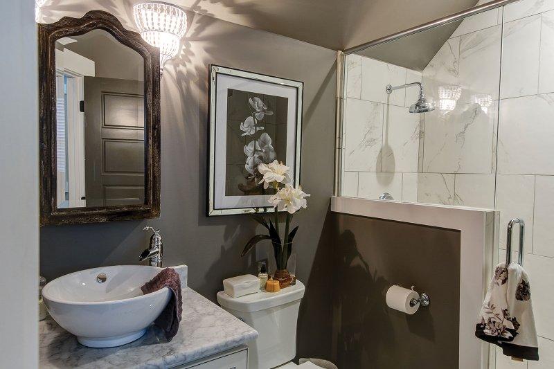 Interior - Bathroom Plan #927-362 - Houseplans.com