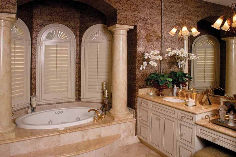Mediterranean Interior - Bathroom Plan #1017-2 - Houseplans.com