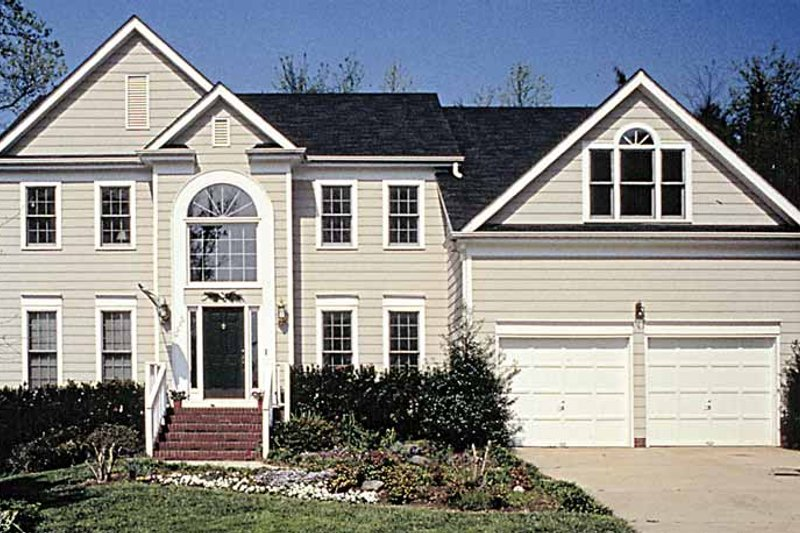 Colonial Exterior - Front Elevation Plan #453-483