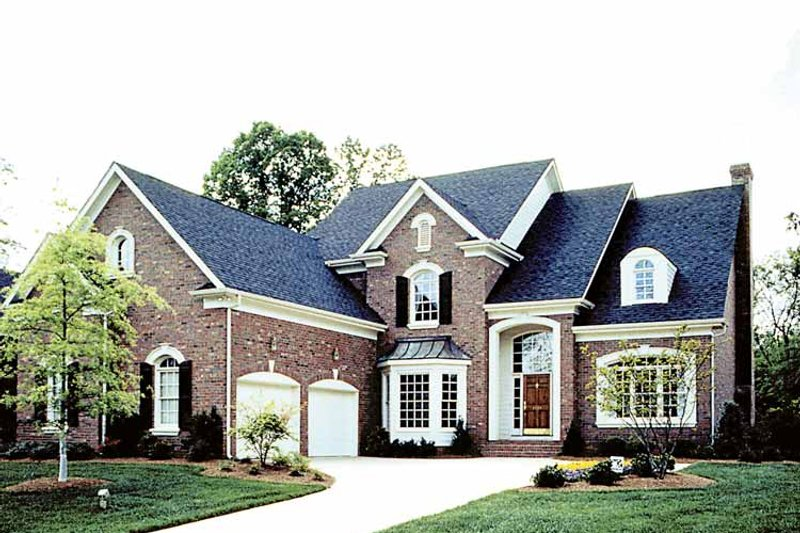 Traditional Exterior - Front Elevation Plan #453-564 - Houseplans.com