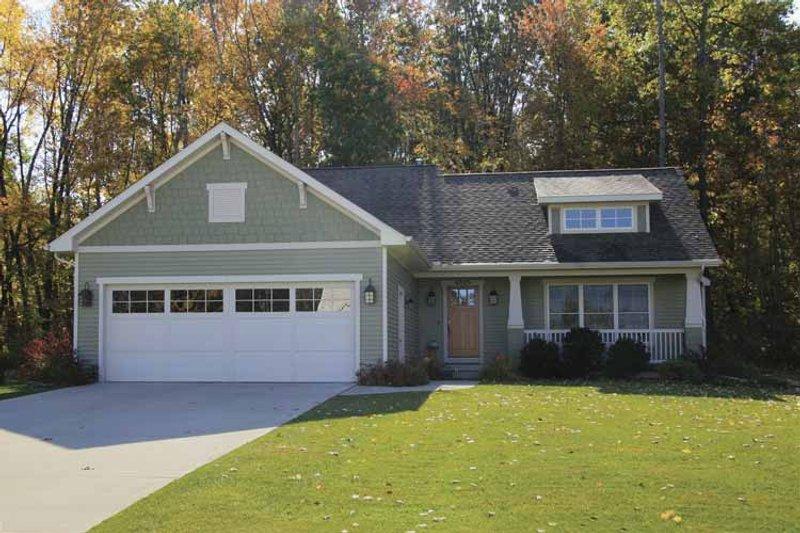 House Plan Design - Craftsman Exterior - Front Elevation Plan #928-138