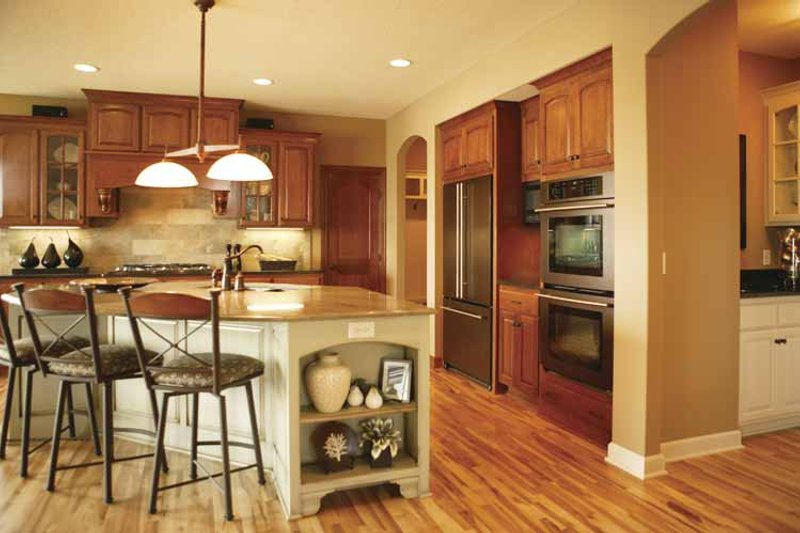 Traditional Interior - Kitchen Plan #320-990 - Houseplans.com