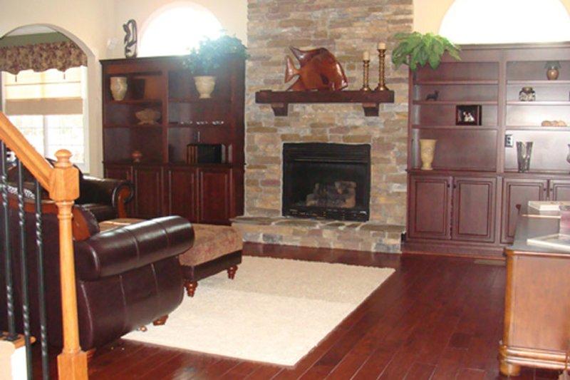 Colonial Interior - Family Room Plan #927-866 - Houseplans.com