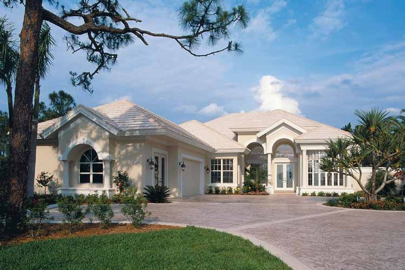 Mediterranean Exterior - Front Elevation Plan #930-24 - Houseplans.com