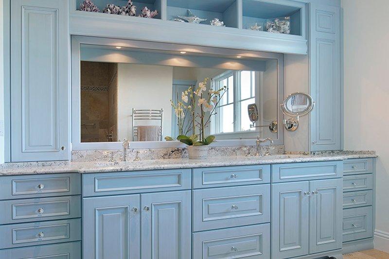 Country Interior - Master Bathroom Plan #1017-168 - Houseplans.com