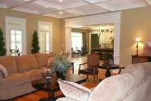Country Interior - Family Room Plan #927-415