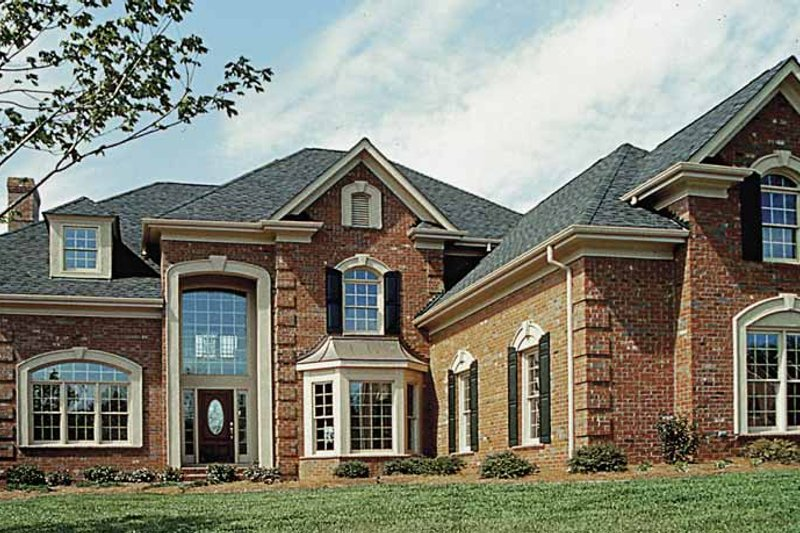 Dream House Plan - Traditional Exterior - Front Elevation Plan #453-171