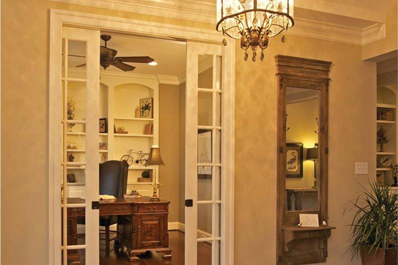 Traditional Interior - Entry Plan #927-958 - Houseplans.com