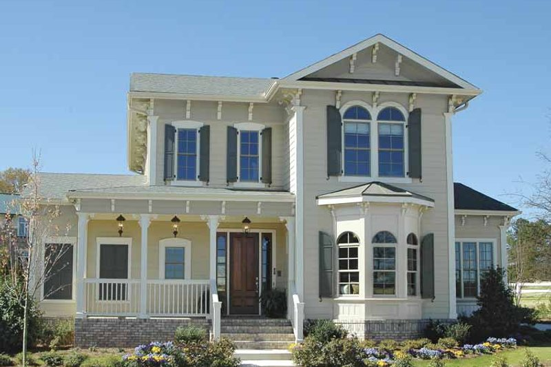 Traditional Exterior - Front Elevation Plan #54-315 - Houseplans.com