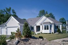 Traditional Exterior - Front Elevation Plan #320-917
