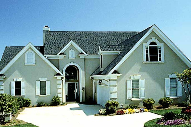 Traditional Exterior - Front Elevation Plan #453-435 - Houseplans.com