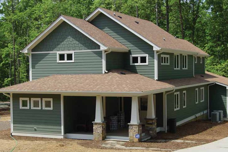 House Plan Design - Craftsman Exterior - Front Elevation Plan #939-10