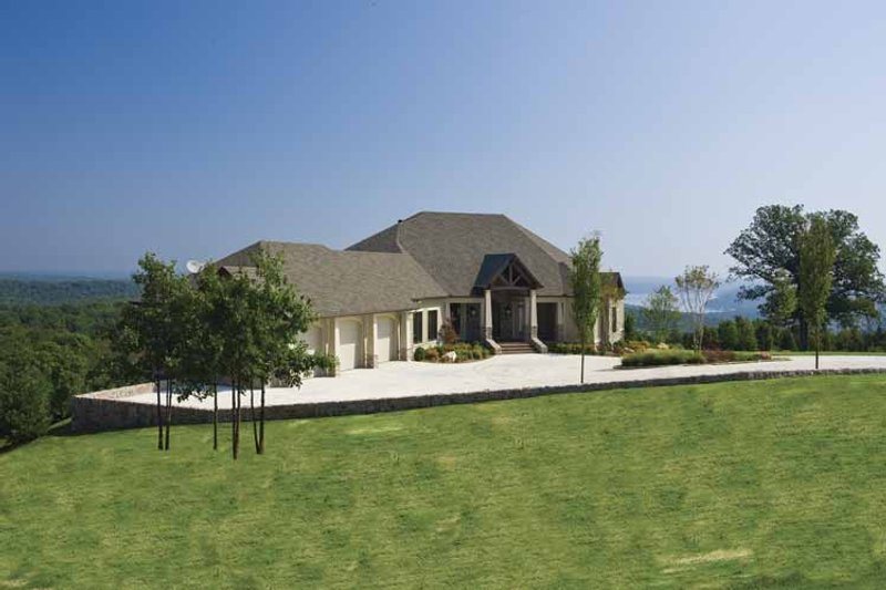 Traditional Exterior - Front Elevation Plan #17-3302 - Houseplans.com