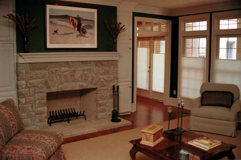 Traditional Interior - Family Room Plan #17-2629 - Houseplans.com