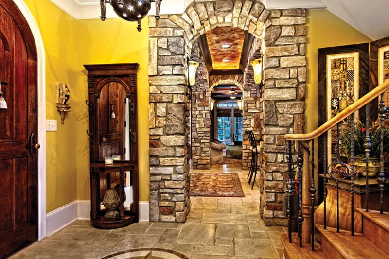Mediterranean Interior - Entry Plan #930-70 - Houseplans.com