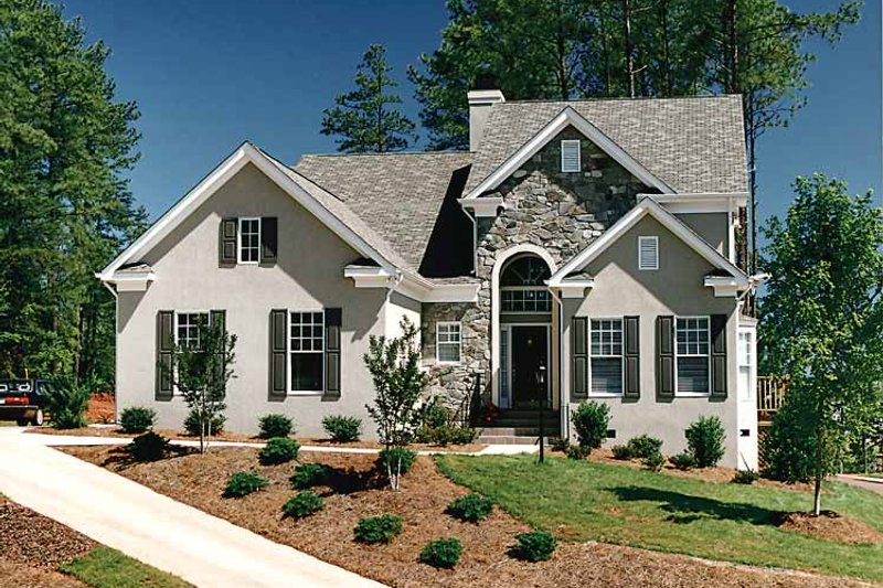 Dream House Plan - Traditional Exterior - Front Elevation Plan #453-388