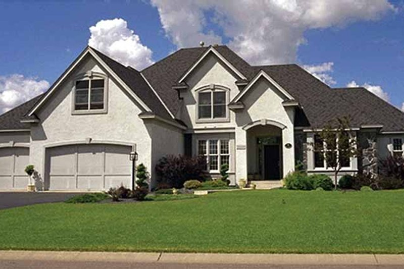 Dream House Plan - Traditional Exterior - Front Elevation Plan #51-930