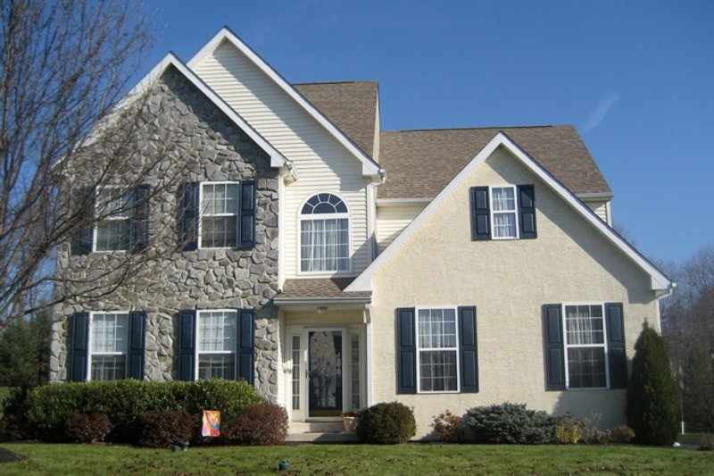 Traditional Exterior - Front Elevation Plan #1053-40