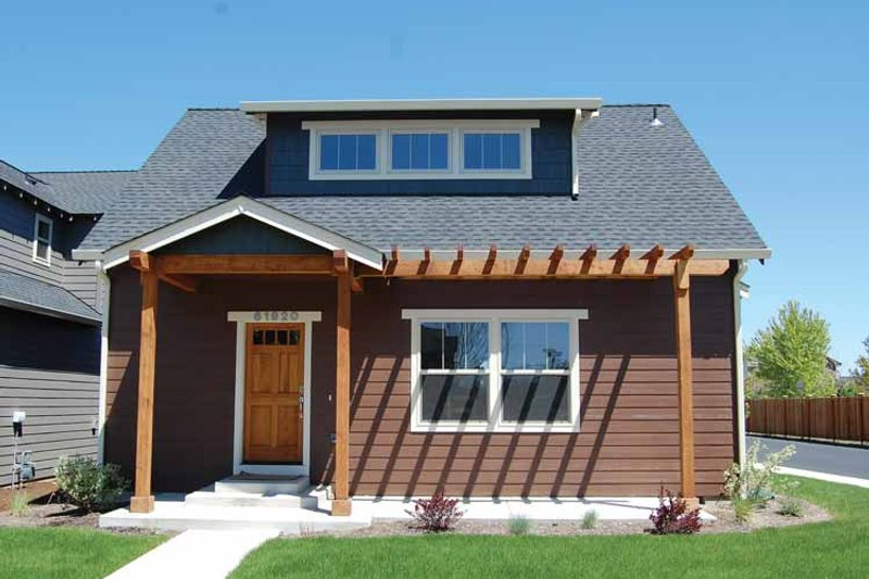 Craftsman Exterior - Front Elevation Plan #895-73 - Houseplans.com