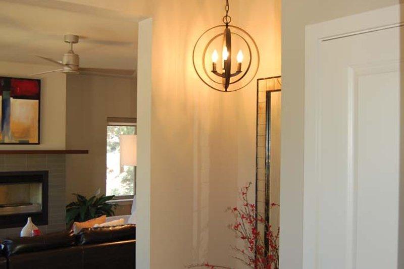 Prairie Interior - Entry Plan #895-78 - Houseplans.com