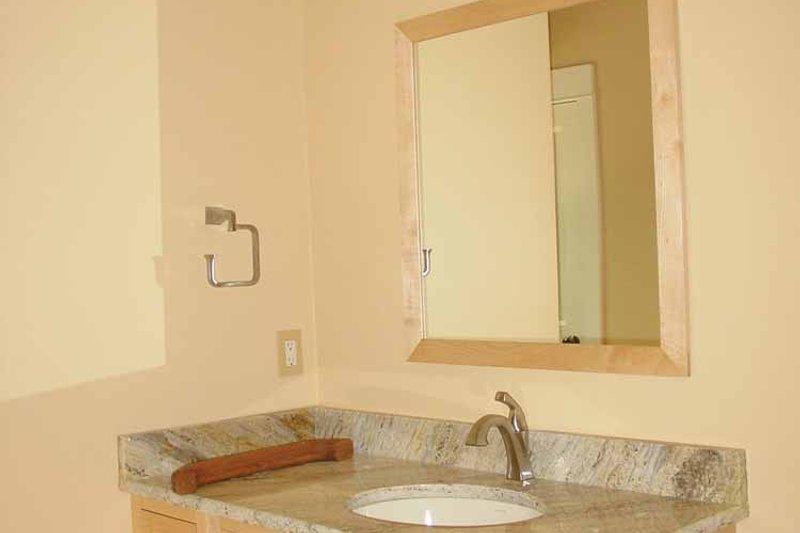 Craftsman Interior - Bathroom Plan #939-12 - Houseplans.com