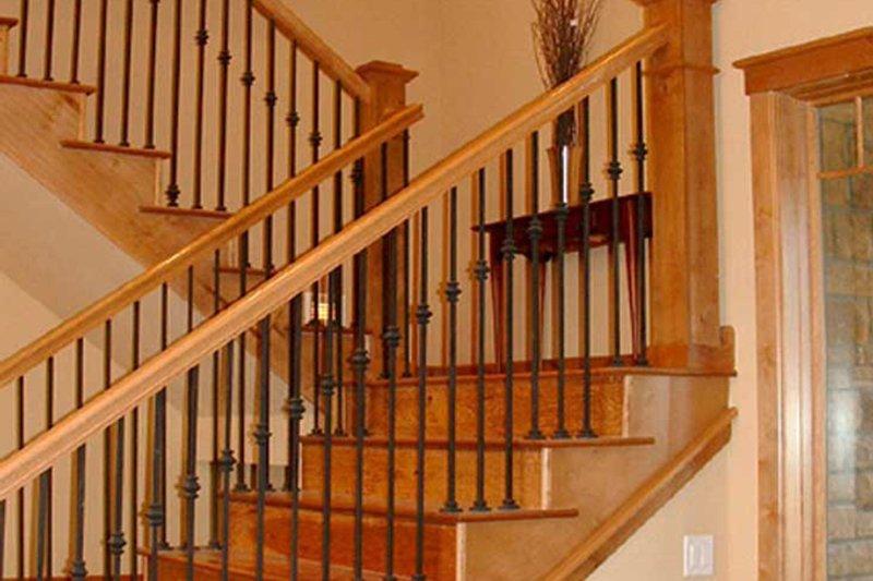Craftsman Interior - Entry Plan #942-16 - Houseplans.com