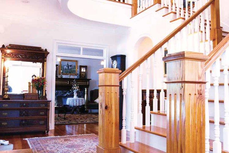 Classical Interior - Entry Plan #71-146 - Houseplans.com