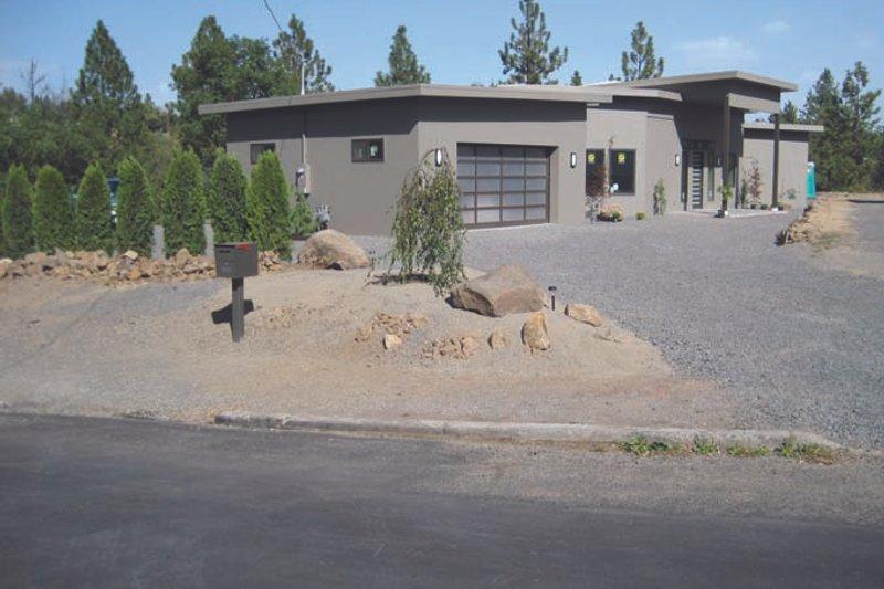 House Plan Design - Contemporary Exterior - Front Elevation Plan #117-865