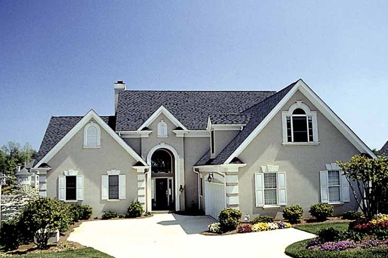 Traditional Exterior - Front Elevation Plan #453-546 - Houseplans.com