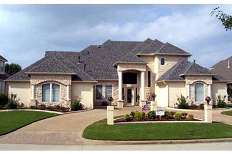 House Plan Design - Mediterranean Exterior - Front Elevation Plan #84-713