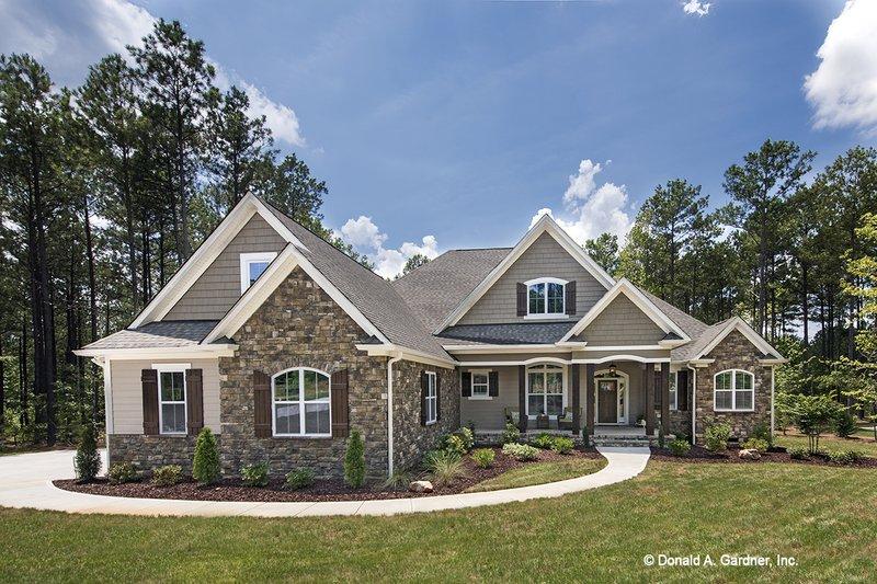 Architectural House Design - Craftsman Exterior - Front Elevation Plan #929-949