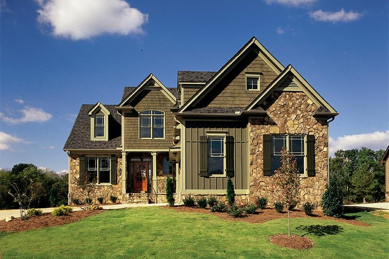 Traditional Exterior - Front Elevation Plan #927-42 - Houseplans.com