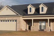 European Style House Plan - 4 Beds 3 Baths 2337 Sq/Ft Plan #63-316 Exterior - Front Elevation