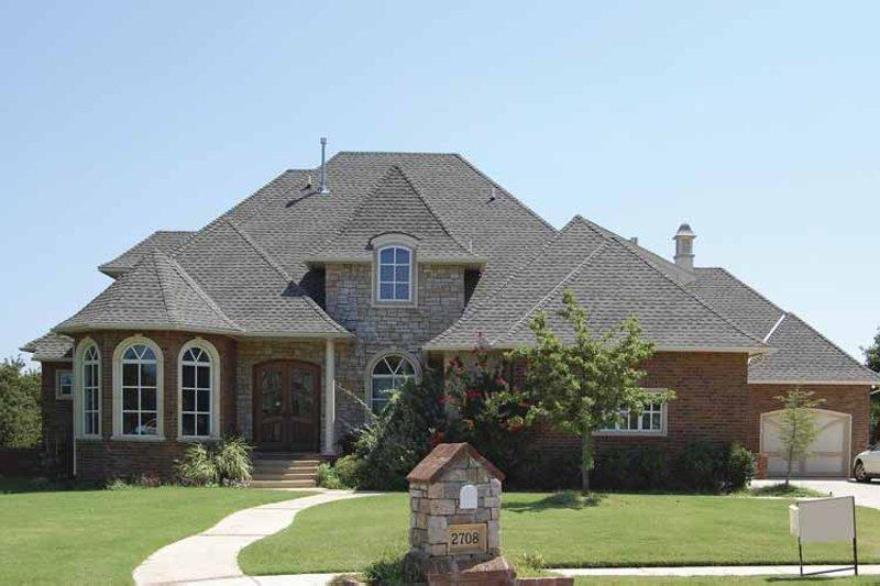 House Plan Design - European Exterior - Front Elevation Plan #310-1129