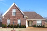 Traditional Style House Plan - 3 Beds 2 Baths 1346 Sq/Ft Plan #81-13789 Exterior - Front Elevation