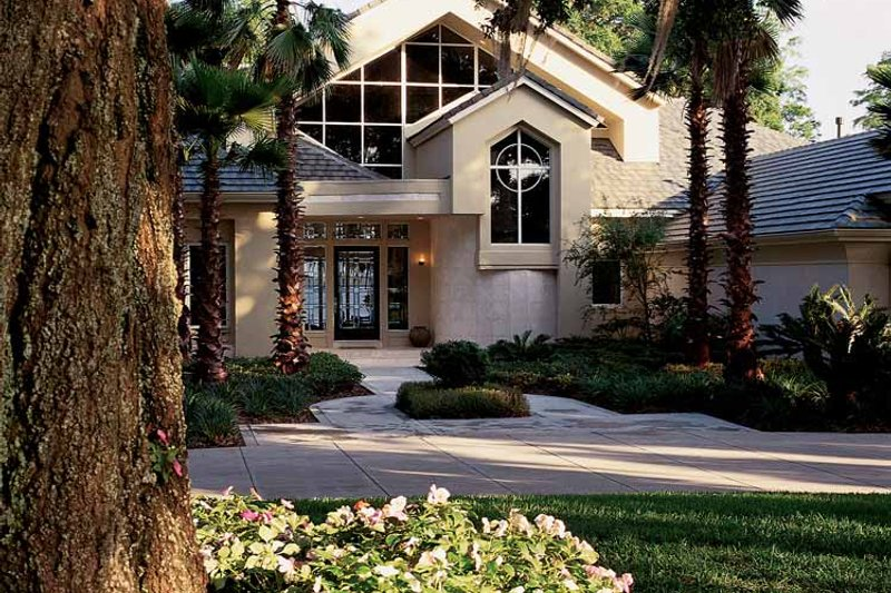 Contemporary Exterior - Front Elevation Plan #1039-4 - Houseplans.com