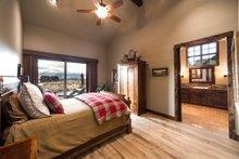 Craftsman Interior - Master Bedroom Plan #892-16
