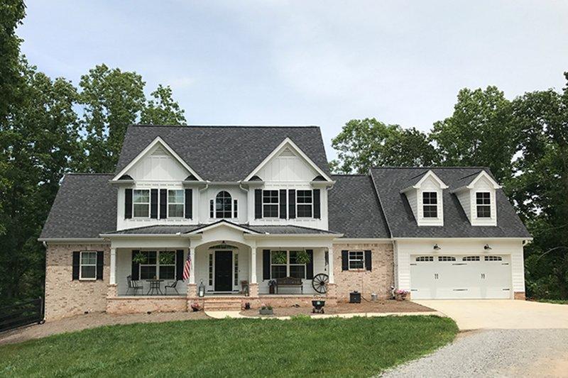 House Plan Design - Farmhouse Exterior - Front Elevation Plan #437-78