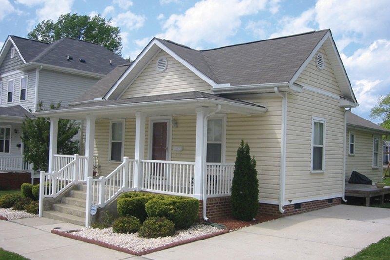 Architectural House Design - Craftsman Exterior - Front Elevation Plan #936-19