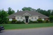 Colonial Style House Plan - 4 Beds 3 Baths 2751 Sq/Ft Plan #69-102
