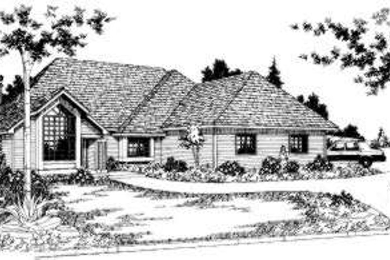 Traditional Style House Plan - 3 Beds 2 Baths 1715 Sq/Ft Plan #303-102 Exterior - Front Elevation