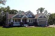 Craftsman Style House Plan - 3 Beds 2 Baths 2320 Sq/Ft Plan #132-232