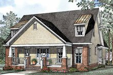 Craftsman Exterior - Front Elevation Plan #17-2950